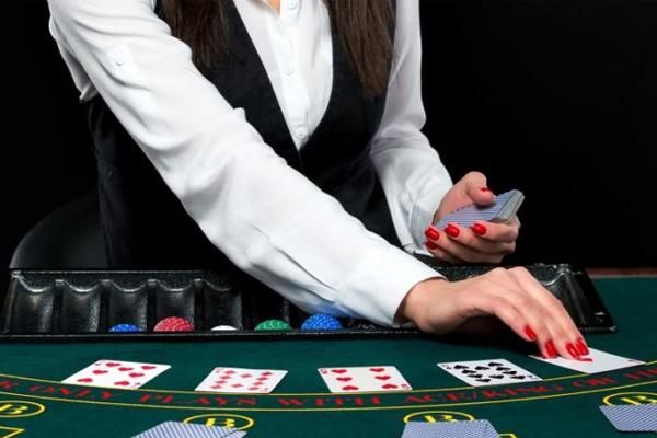 5 เทคนิคเล่นบาคาร่าทำเงิน พร้อมรู้จักวิธีเดิมพัน - มีพื้นฐานด้านการเล่นไพ่